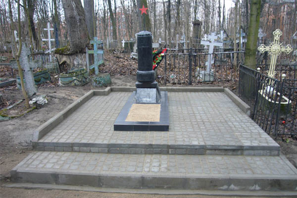 Малоохтинское кладбище